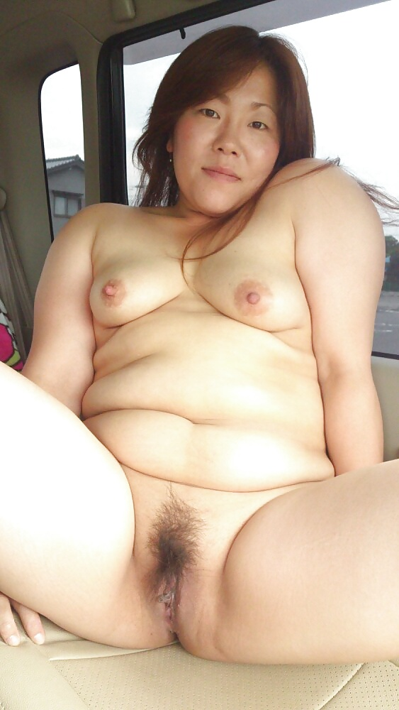 Mature mommys naked