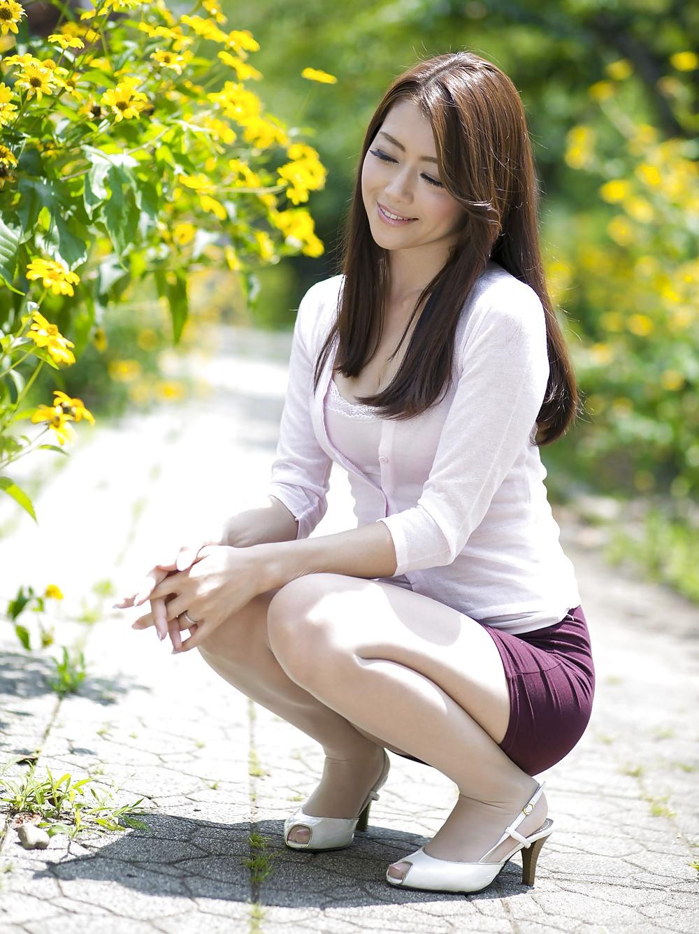 Amateur Asians: Sexy Asian Milf 1