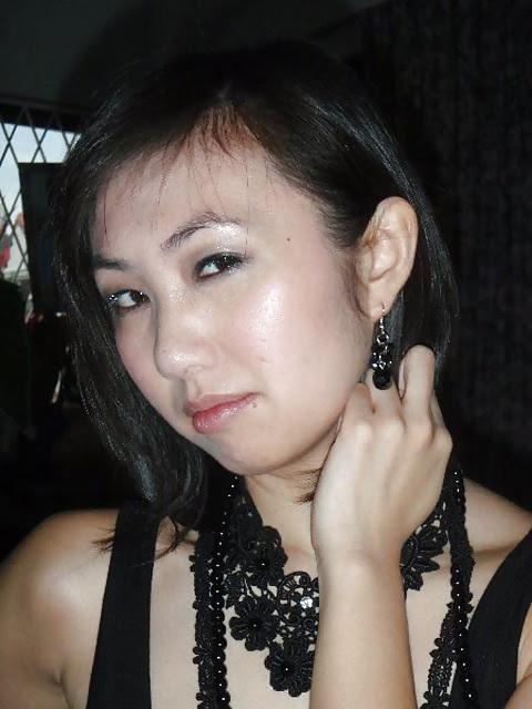 Amateur Asian Threesome 27